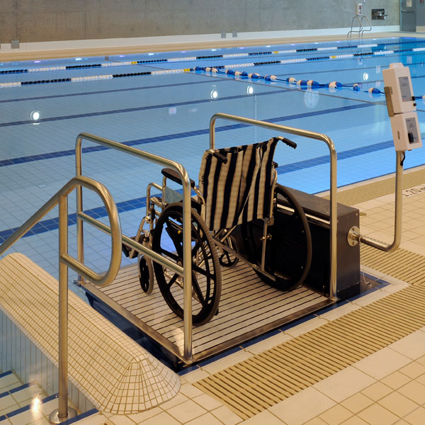 Glacier platform lift bp600 spectrum products for Hydraulic chair lift for swimming pool